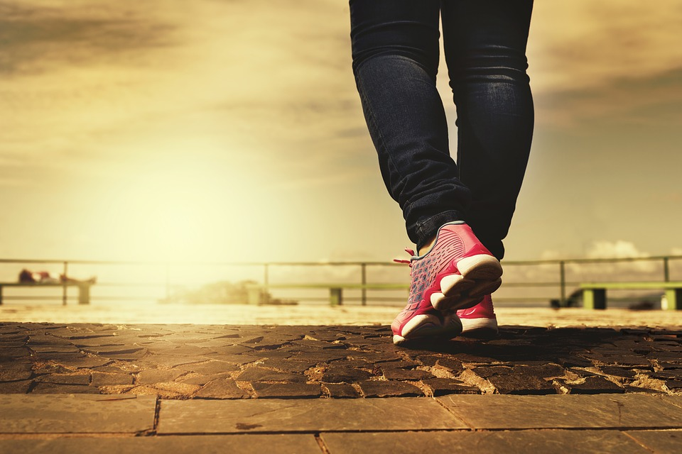 benefícios da caminhada