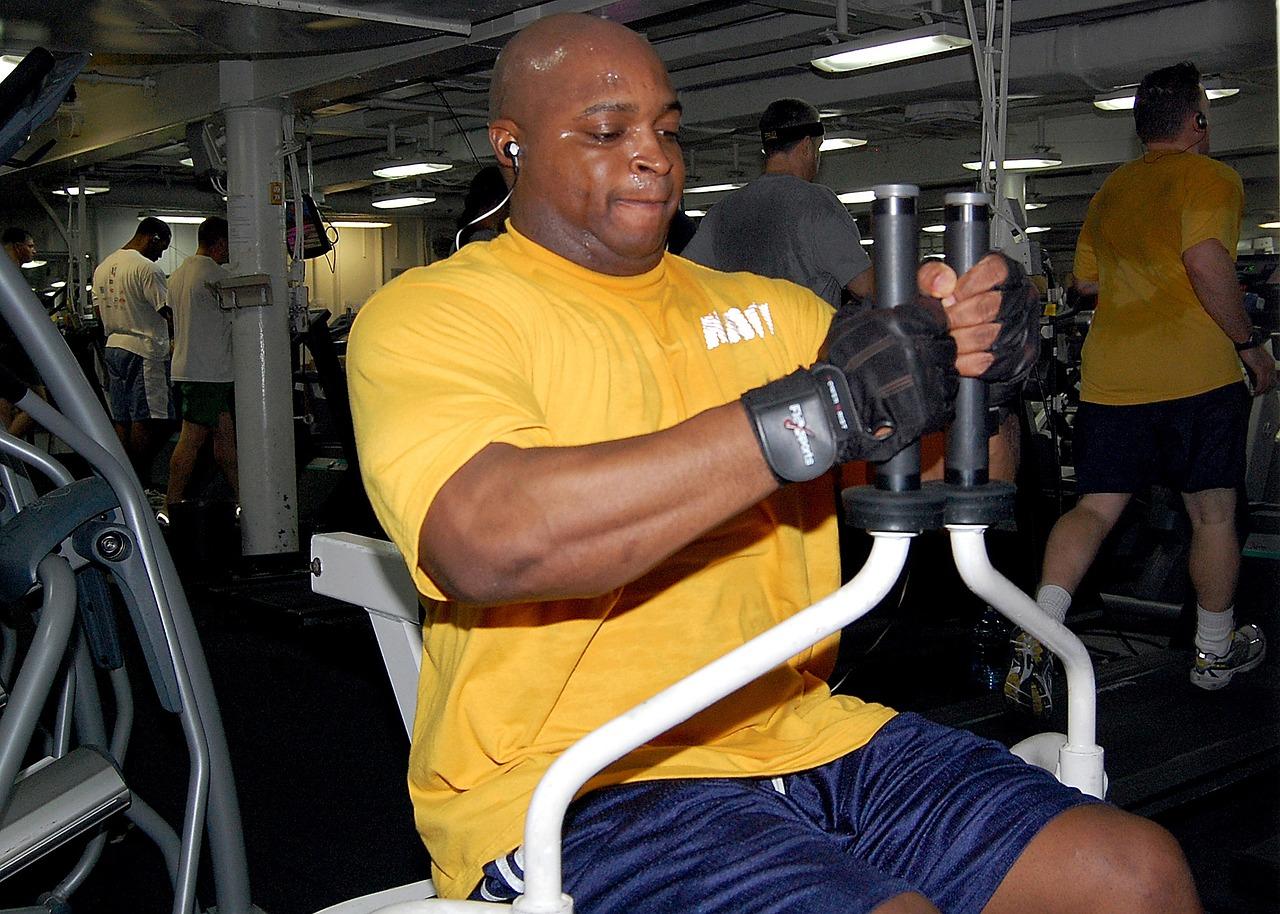 como combinar exercícios aeróbicos e musculação